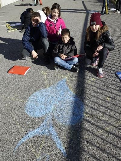 géométrie dans la cour du collège Notre Dame à Bellevaux